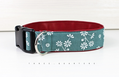Dog collar with flowers in white, with artificial leather in dark red, collar for dogs