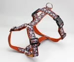 Dog collar with pattern in orange and red, abstract and modern, webbing in dark gray