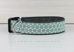 Dog collar with honeycomb pattern in mint and white, with artificial leather in dark gray