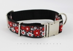 Dog collar with flowers in black, red and white, webbing in black, width 30mm