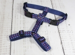 Dog harness with dots in white and red, webbing in dark blue, width 30mm
