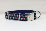Dog collar with flowers, black, red, green, traditional, floral